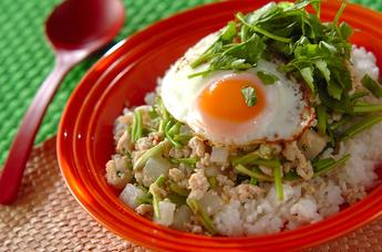 大根とセリのベトナムご飯