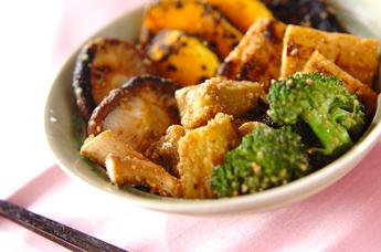 焼き野菜と油揚げのゴマ酢和え