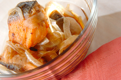 焼鮭のピリ辛マリネ