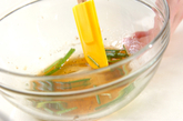 エビとモヤシの温サラダの作り方1