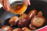鶏肉とシイタケの煮物の作り方2
