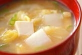 白菜と豆腐のみそ汁