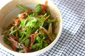 菊菜のベーコンサラダ