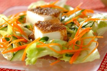 豆腐とたっぷり野菜のサラダ