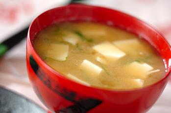 納豆と豆腐のみそ汁