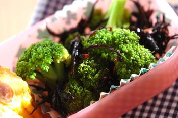 芽ヒジキとブロッコリーのピリ辛サラダ