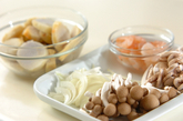 里芋とキノコのグラタンの下準備1