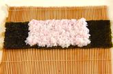 ぶたちゃんデコ巻き寿司の作り方3