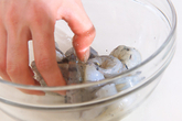 エビのピリ辛マヨ炒めの作り方1