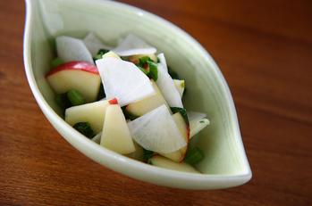 リンゴと大根のサッと漬け