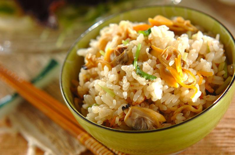 ≪あさりの炊き込みご飯≫基本とアレンジで風味と食感を楽しんで♪