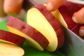 サツマイモのレモン煮の下準備1