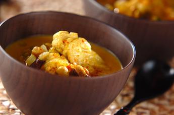 鶏肉と豆のココナッツカレースープ