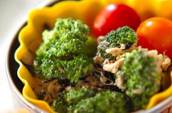 ブロッコリーとヒジキのサラダ