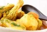 鶏手羽元カレースープ煮