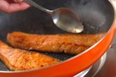 鮭の塩ヨーグルトタルタルソース添えの作り方2