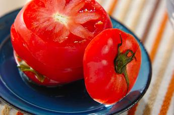 トマトと玉ネギのサンドサラダ