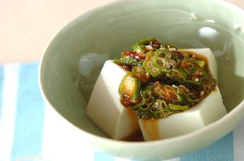 オクラと豆腐のサラダ