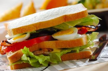 クラブハウスサンドイッチ