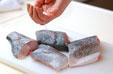 魚の塩焼きの下準備1