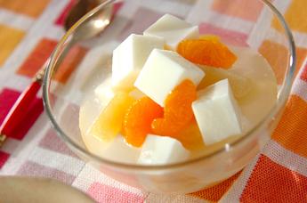 杏仁豆腐フルーツ添え
