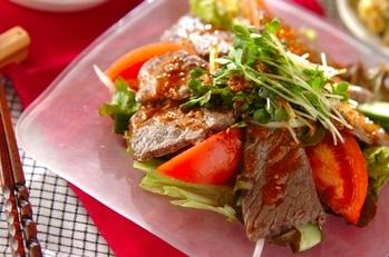 野菜たっぷり焼肉サラダ
