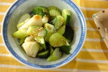 セロリとキュウリの中華サラダ
