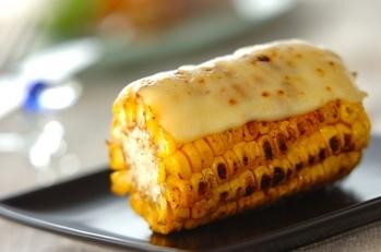トウモロコシのチーズ焼き