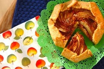 リンゴとアーモンドの型なしタルト