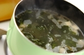 豆腐とワカメのスープの作り方1