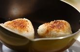 蒲焼きのタレ焼きおにぎりの作り方2