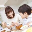 テレビを観ながら食事をすると肥満リスクが高まるとの調査が報告