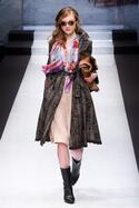 ユキ トリヰ インターナショナル 17-18年秋冬コレクション - 柄や色でスタイリングに華を添えて