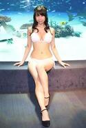 """鈴木ふみ奈、肉体美でグラビアアイドルの戦いに勝つ? 「彫刻家の友人が""""彫りたい""""って言います」"""