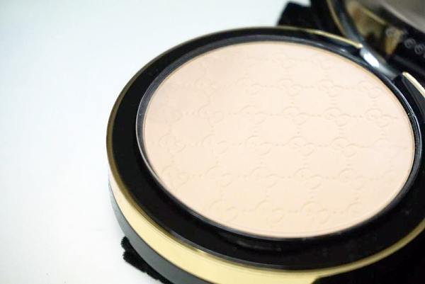 『GUCCI Luxe Finishing Powder』