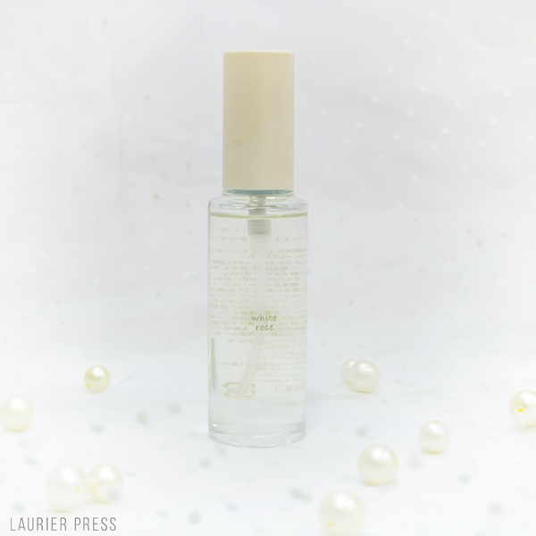 40ml 3800円+税  ※white roseは季節限定の香りphoto by nozo (C)LAURIER PRESS