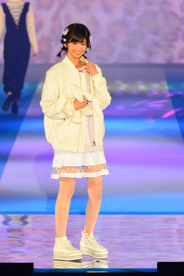 渡邉理佐さん(欅坂46)/Ank Rouge (C)GirlsAward 2016 AUTUMN / WINTER by マイナビ
