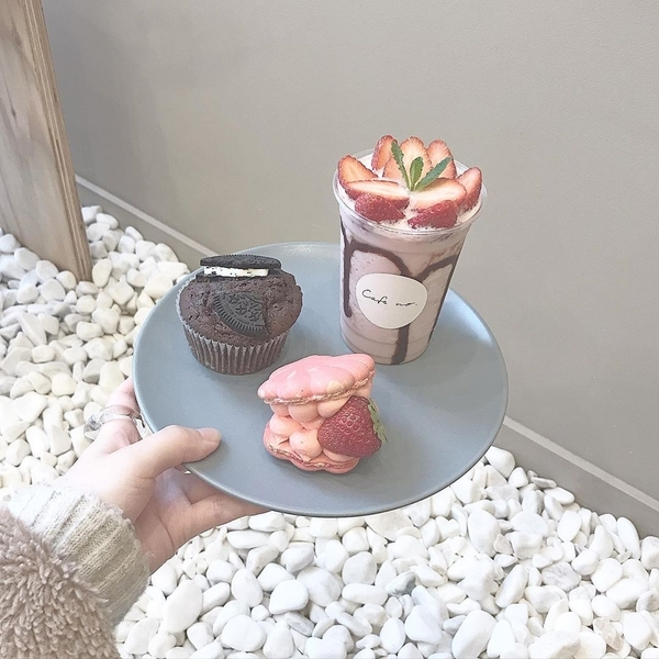 Instagram @smile_____cafe