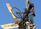 14歳のエジソン。独学でアフリカに「電力」をもたらした少年