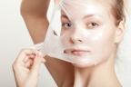簡単なのに効果抜群! ぷるぷる潤い肌をつくるシートマスクの裏技5つ