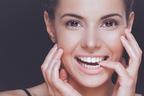 笑顔の秘訣は白い歯から! 歯の美しい人たちが大切にしている習慣とは?