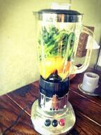 本日のグリーンスムージー ~ビタミンCの2トップ「柿と柚子」で美肌をゲット~