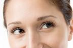 顔の印象は目元が握っていた! 続ければ驚く効果のある目元のケアとは?