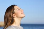 運動以外で簡単に体温アップ! 呼吸で体を温める方法