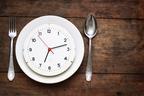 ダイエット中の人必見! カロリーよりも大事な食事の時間