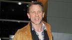ダニエル・クレイグ、短編映画で女装姿披露 ナレーションは『007』のMが担当