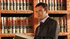 悪徳弁護士がお告げで更生? 「弁護士イーライのふしぎな日常」第1話を無料配信