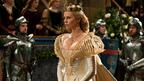 美しく邪悪な女王の衣裳トリビア! 豪華ドレスに隠された「昆虫」の意味