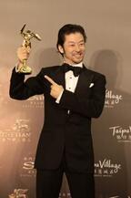 浅野忠信、アジア・フィルム・アワードで海外にアピール!「みなさんと仕事をしたい」