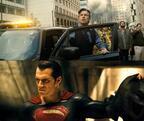 2大ヒーローが戦う理由とは!? 『バットマン vs スーパーマン』それぞれの特別映像解禁